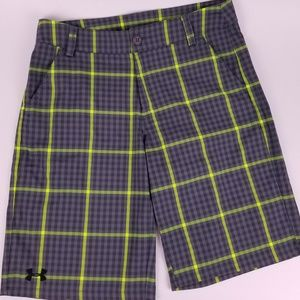 NEW NEVER WORN BOYS UNDER ARMOUR SHORTS SZ L